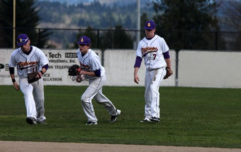 Boys baseball tries for a comeback