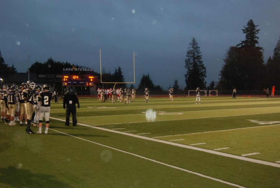 %0AAlways+improving%3A+The+lake+stevens+football+team+spends+their+hours%0A++++++after+school+practicing%2C+rain+or+shine.+This+picture+shows+a+scrimmage+%0A++++++during+a+rainy+day.+%E2%80%9CEveryday+after+school+we+are+doing+something%E2%80%9D+%0A++++++-Austyn+Rembold-Hyde.%0A++++++%0A%0A