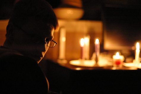 Power out devours: Most people struggle with power outages due to weather conditions during the fall and winter seasons. Students were unable to complete their work during the latest Lakes Stevens power outage.